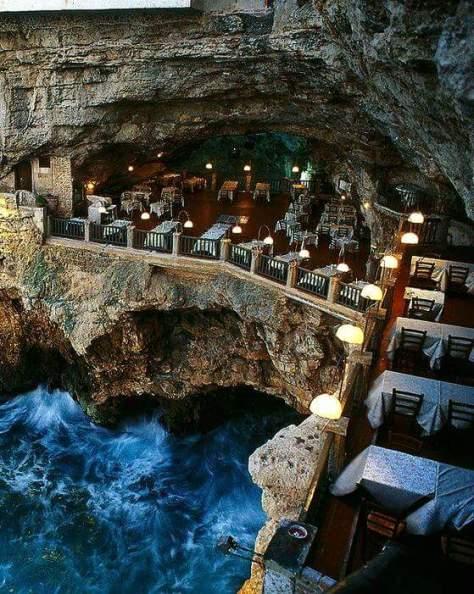 italia casa -Restaurante Grotta Palazzers, em Puglia, na Itália